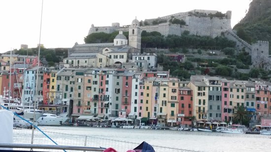 Sailing 5 Terre - Day Tours: una finestra sul mare
