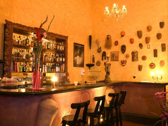 Andean Wings Boutique Hotel: Mandela's Bar