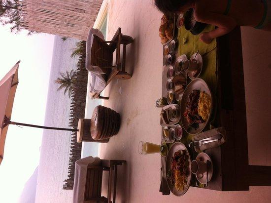 Six Senses Con Dao : Petit déjeuner dans la villa
