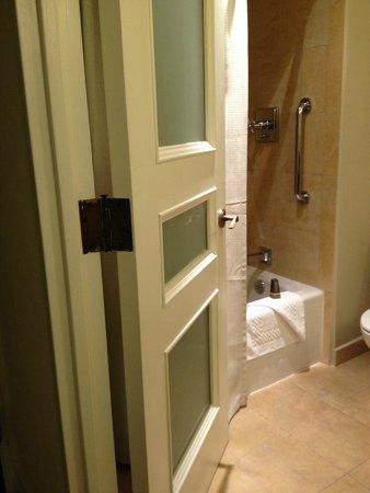 San Juan Marriott Resort & Stellaris Casino: Decorative bathroom door