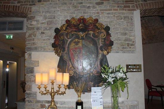 Hotel Brunelleschi: Brasão.