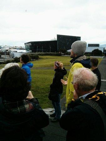 Free Walking Tour Reykjavik : Harpa
