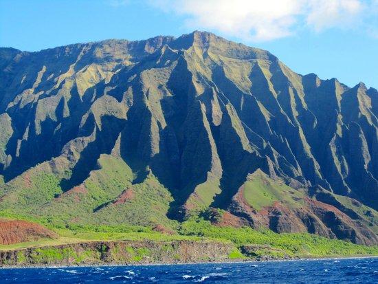 Captain Sundown: Na'Pali coast - Majestic Mountains