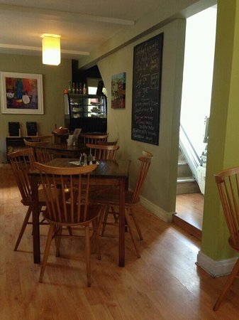 South Square Vegetarian Cafe: Nice atmosphere