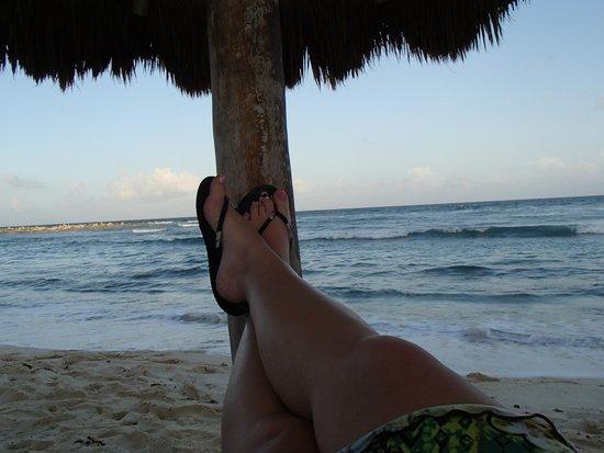 Catalonia Riviera Maya: relaxing at the beach