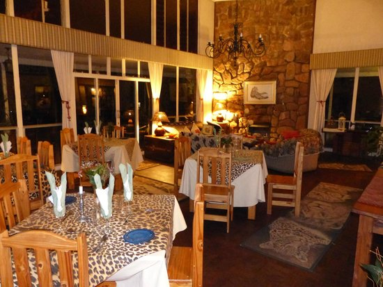 Cheetah Lodge: dining room