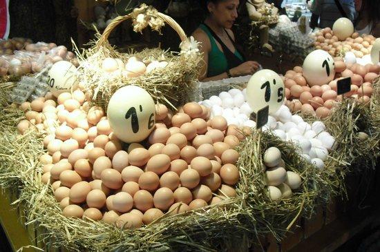 Mercado de Sant Josep de la Boqueria: EL HUEVO CAMPEON