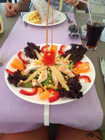 Hotel Marbella : Lovely chicken salad :)