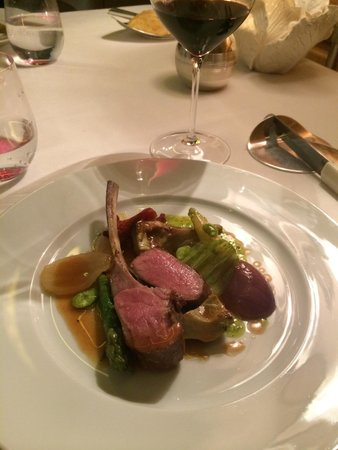 Alain Ducasse at The Dorchester: Lamb.....cooked perfectly!