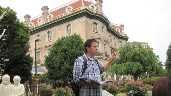 DC by Foot: Tour Guide Steve