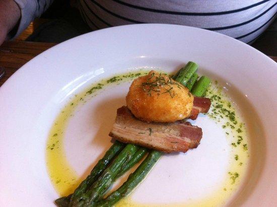 The Holt: Crispy poached egg.