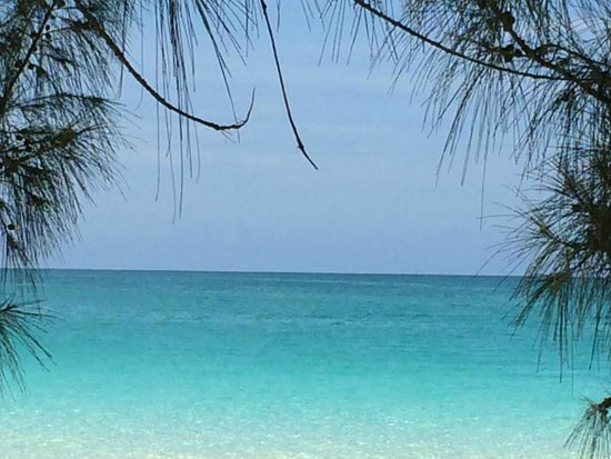 Pigeon Cay Beach Club : Beautiful waters