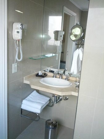 Park Silver Obelisco: Banheiro