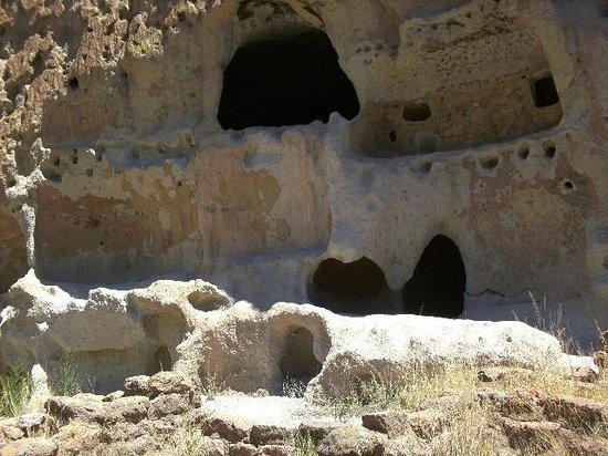 Bandelier National Monument: Homes in Tuffs