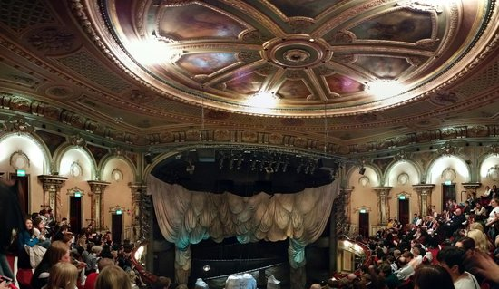 Phantom of The Opera London: Partial photosphere of Her Majesty's Theatre