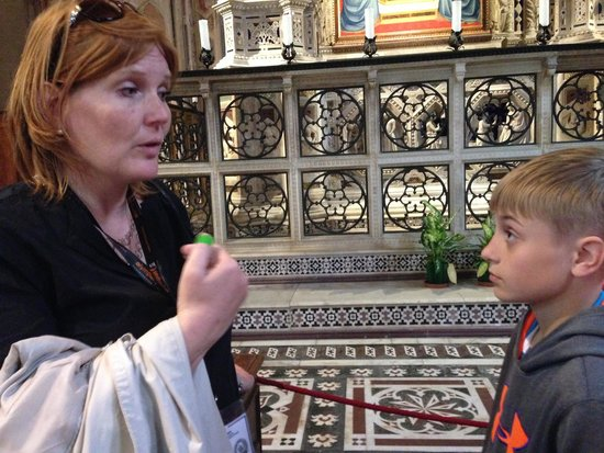 Freya's Florence Tours: Ann Sophie explaining to Kyle about the beauty of the virgin Mary