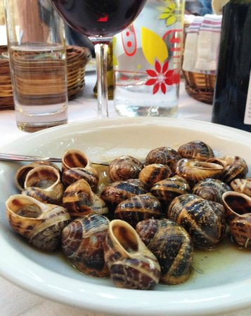 Eleonas: Snails for dinner