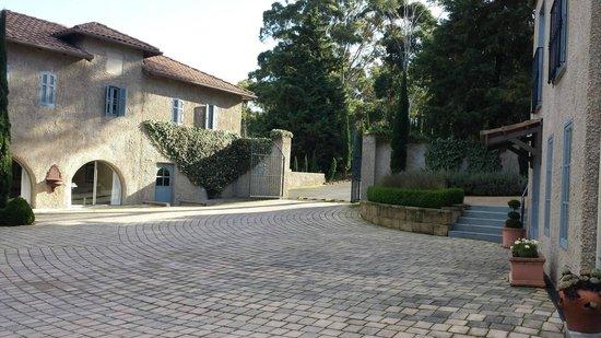 Villa Howden : The gates to heaven on earth