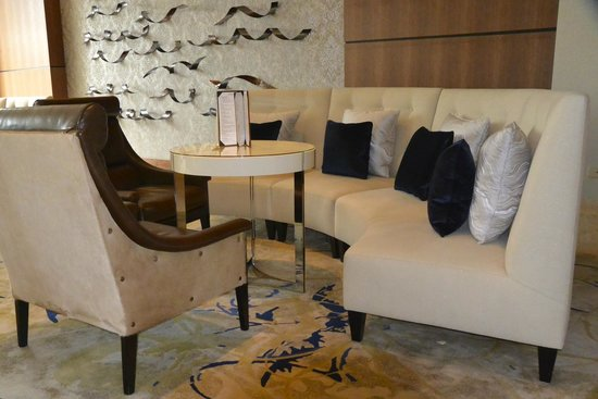 The Gwen, a Luxury Collection Hotel, Chicago : Bar/reception area