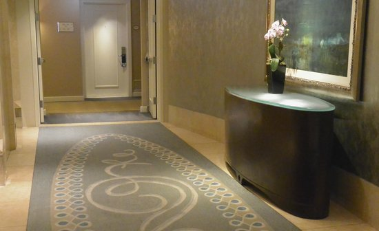 The Gwen, a Luxury Collection Hotel, Chicago : Hallway