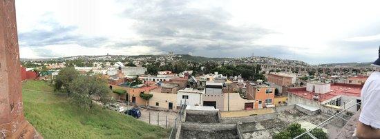 El Acueducto De Queretaro : La ciudad con vista al acueducto