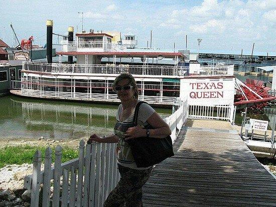 Quality Inn & Suites: Una Marina en el lago, a 2 kms del hotel