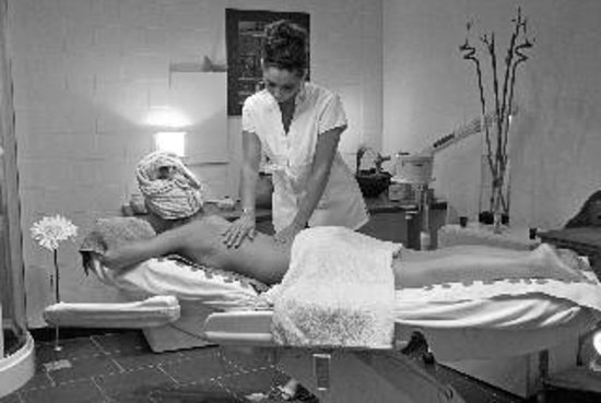 Un brin de beaute: Soins corps (gommage, enveloppement, massage)