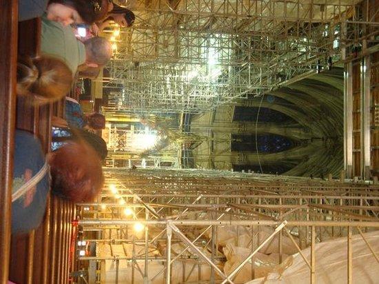 St. Patrick's Cathedral: Reforma dentro da Catedral não tira seu brilho e paz