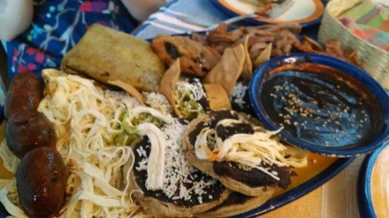 El Sabor de Oaxaca: Oaxaca Plate