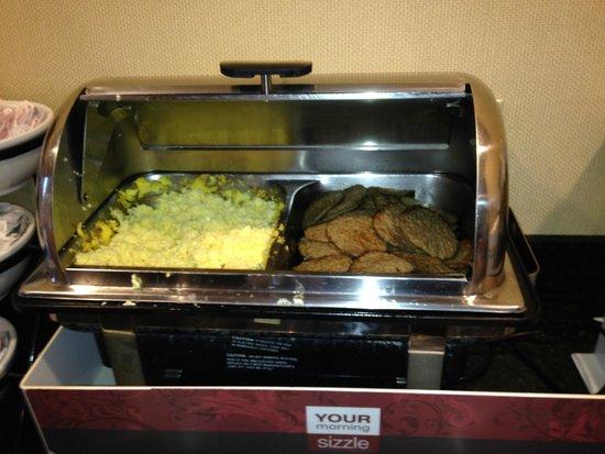 Stanford Inn & Suites: desayuno
