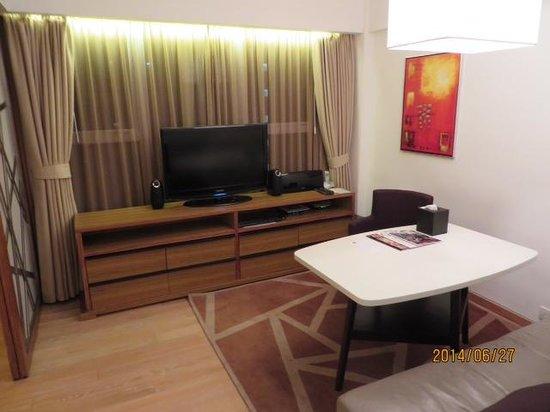 CHI Residences 279: リビング
