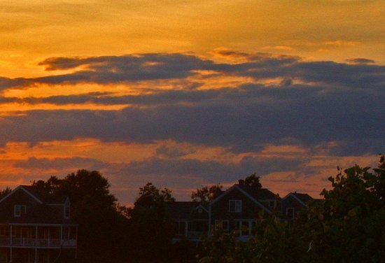 The Island Home Inn: Sunset from the room/deck