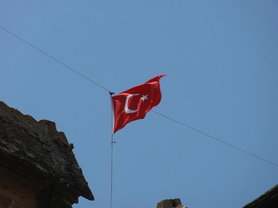 Turkish flag above Selimiye Mosque
