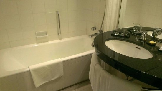 Hyatt Regency Osaka: 広いお風呂