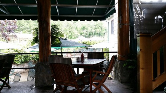 Banner Elk Cafe: Ask to sit outdoors...