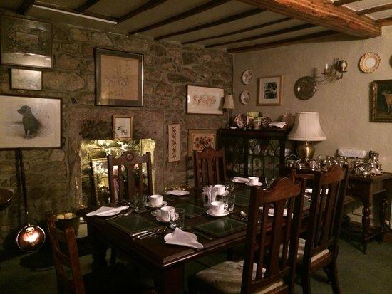 Hearthstone Farm: Lovely breakfast room