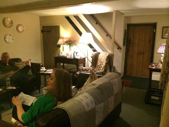 Hearthstone Farm: Cozy, inviting sitting room