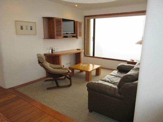 El Crater Hotel: Living room