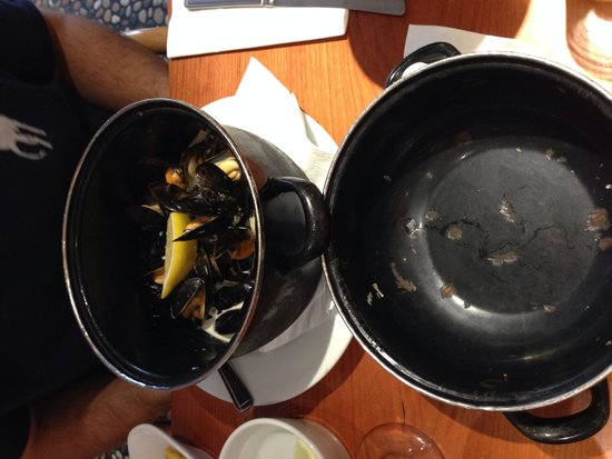 Mussel and Steak Bar: Mussels!