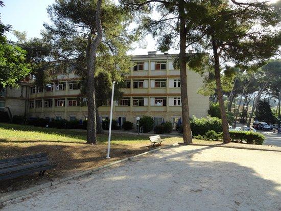 Club Vacanciel Carqueiranne : arrière du bâtiment principal