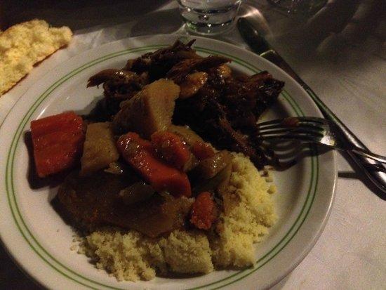 Al Fassia Aguedal : epaule d'agneau legumes vapeur et couscous