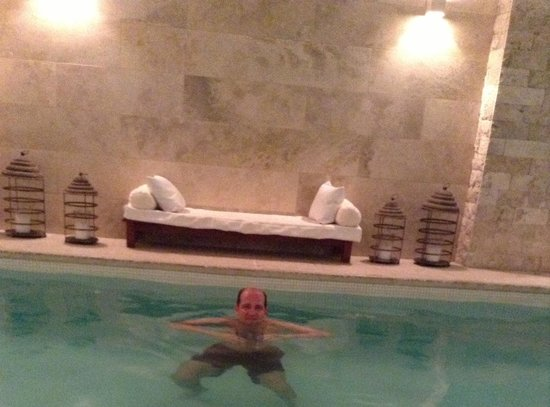 Awwa Suites & Spa: piscina aquecida e relaxante...