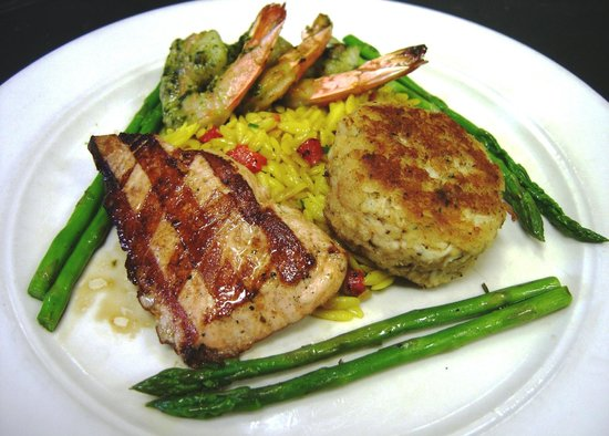Bistro 1888: Grilled Salmon, Backfin Crab Cakes, and Basil Shrimp