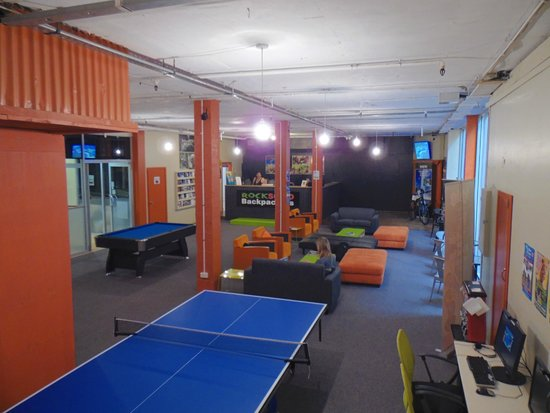 Rock Solid Backpackers : Large Guest Lounge - Includes FREE Unlimited wifi, pool table, table tennis, XBox and DVD's!