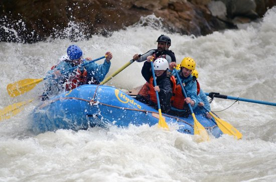Hydra River Guides: Rafting on Kicking Horse River