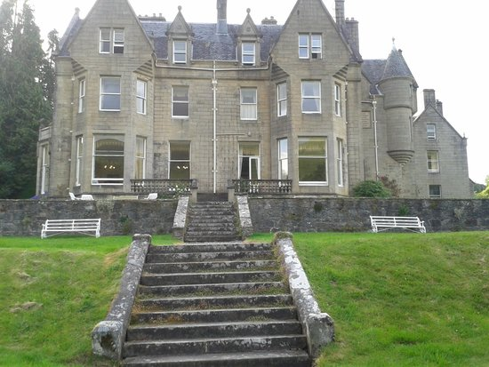 Glengarry Castle Hotel : The hotel