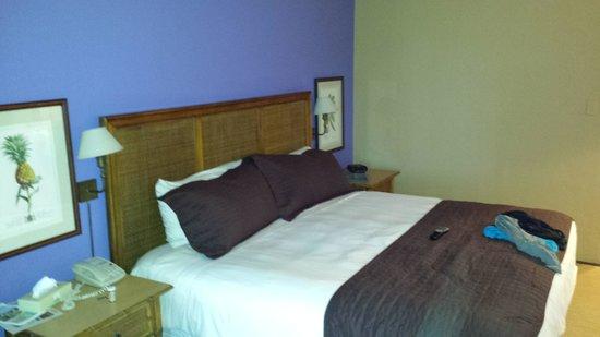 Grotto Bay Beach Resort & Spa : my bed