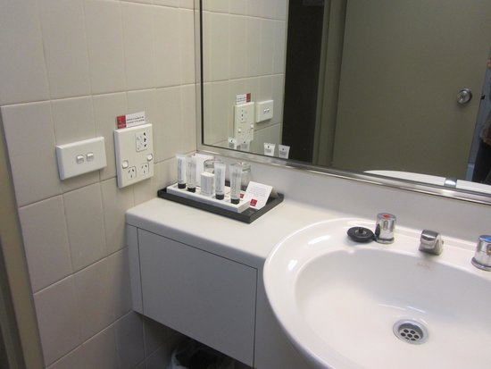 Rendezvous Hotel Sydney The Rocks: Bathroom appliance points