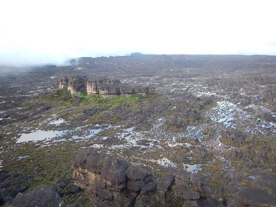 Mount Roraima: our camp hidden in the rocks