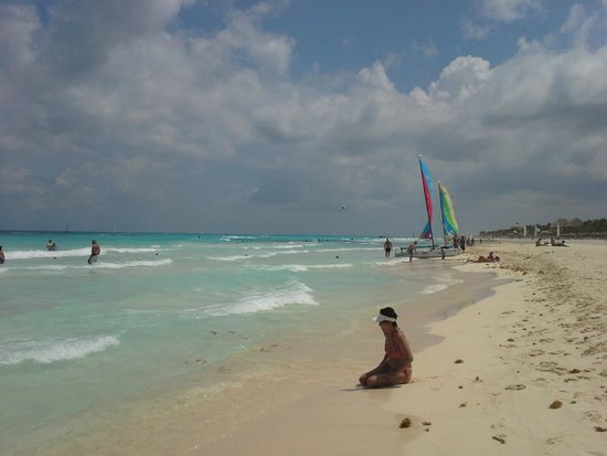 The Reef Playacar: The pristine beach